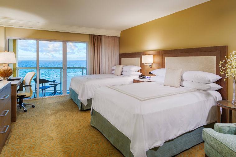 fllpm-guestroom-0001-hor-clsc