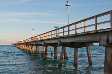 Anglins Fishing Pier in Lauderdale-by-the-Sea/LBTS